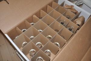 Glaspap anvendes bl.a. til at holde glas og porcelæn på plads under fragt